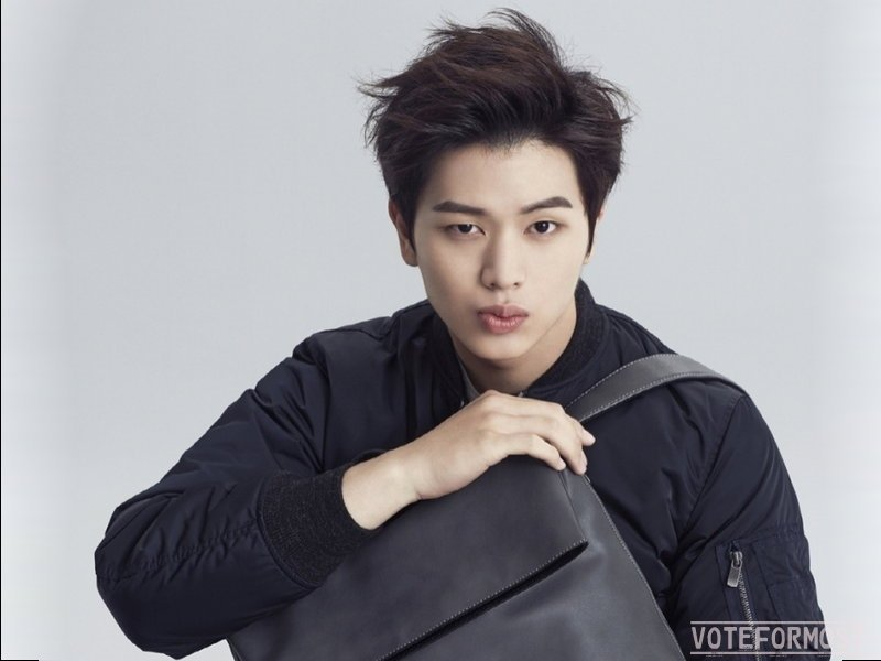 Yook Sungjae - Most Handsome Korean Actors 2017