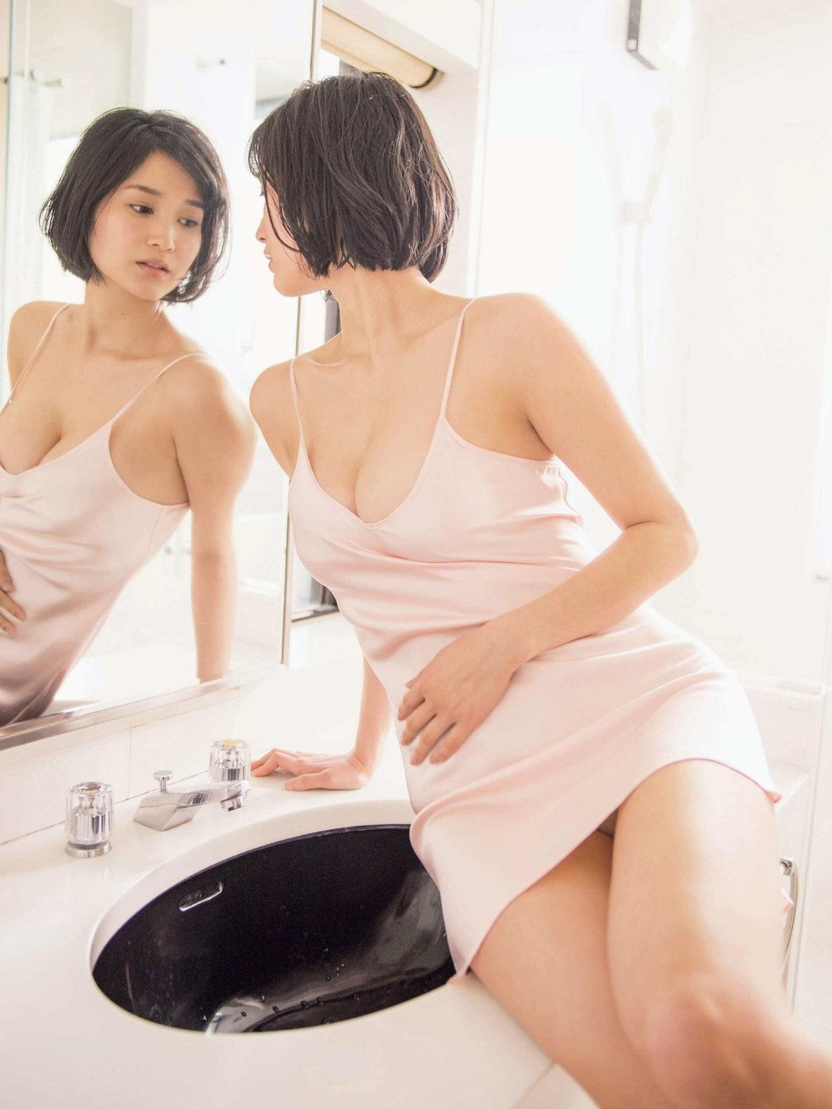 데구치 아리사(出口亜梨沙, でぐち ありさ) - 프라이데이 2018 2/23